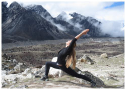 Trekking in Himalayas-Yoga in the Himalayas-Yoga trekking in the Himalayas